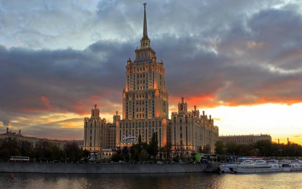 el segundo es el hotel ucrania arriba con pisos y todavia es el hotel mas alto de europa con metros mientras que el siguiente es el que hoy alberga