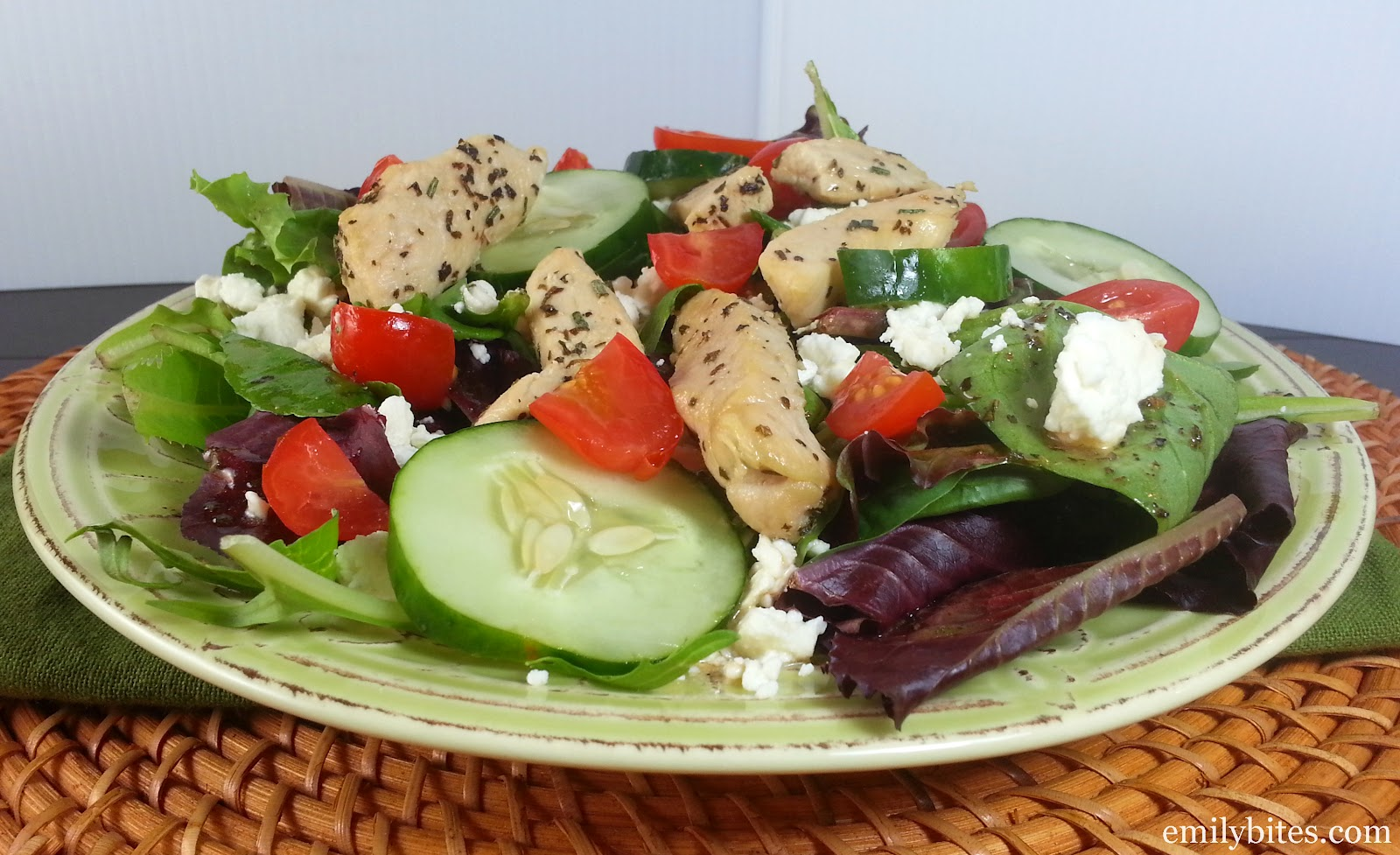 Chicken Souvlaki Salad | Pinnutty.com