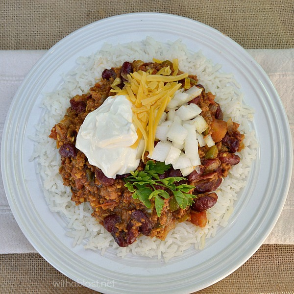 The way the Obama's have their White House Chili - with the trimmings !