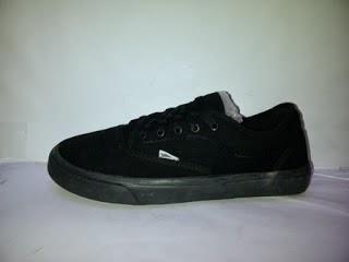 Sepatu Vans Authentic Avera full hitam