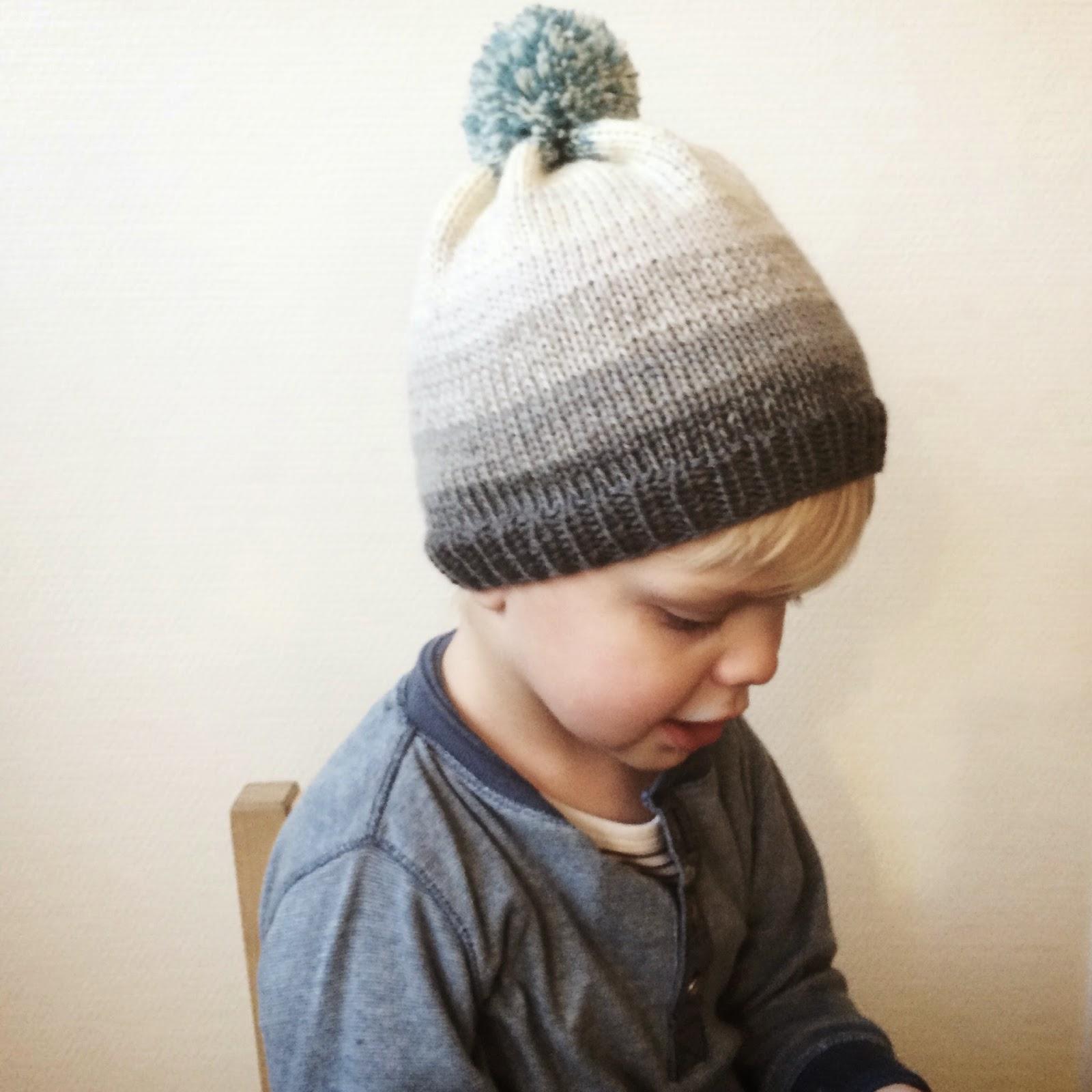 Drengehue i Engleuld, strikket på pind 4 - Meraki