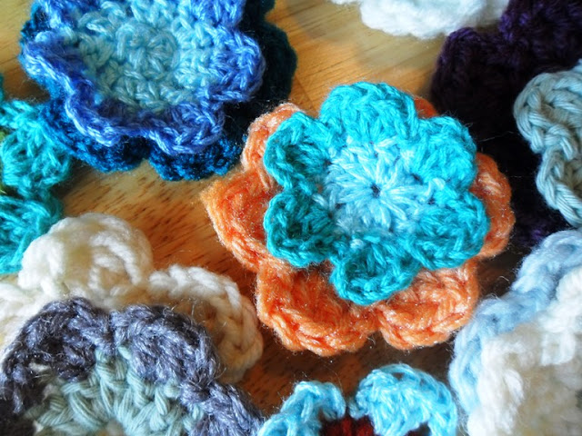 crochet flowers accessories