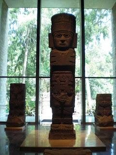 Aufnahme einer alten Götter Statue im anthropologischen Museum in Mexcio