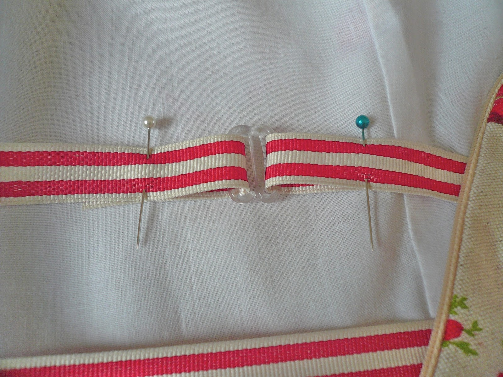 how to make pins stay on backpacks
