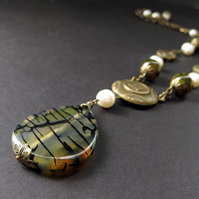 Dragon Vein Agate Necklace in Bronze