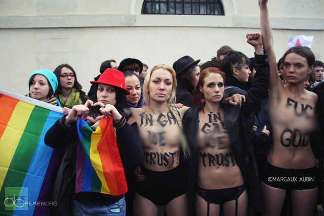 SNIPPITS AND SNAPPITS: MORE JEWISH AGIT-PROP: FEMEN FOULS ...