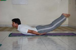 Shalabhasana ~ Yoga Fo...