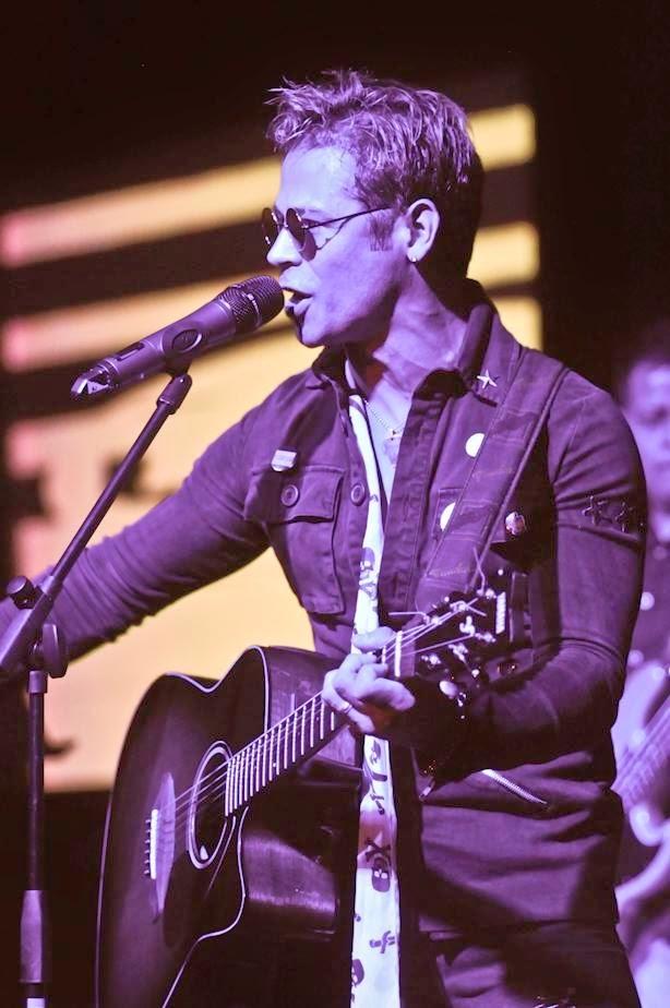8- Ariel Nan se robó los aplausos en la noche de Billboard Latinos en Miami
