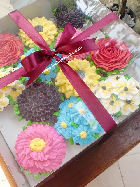 Cupcake Bunga Bunga Daerah Surabaya - Sidoarjo
