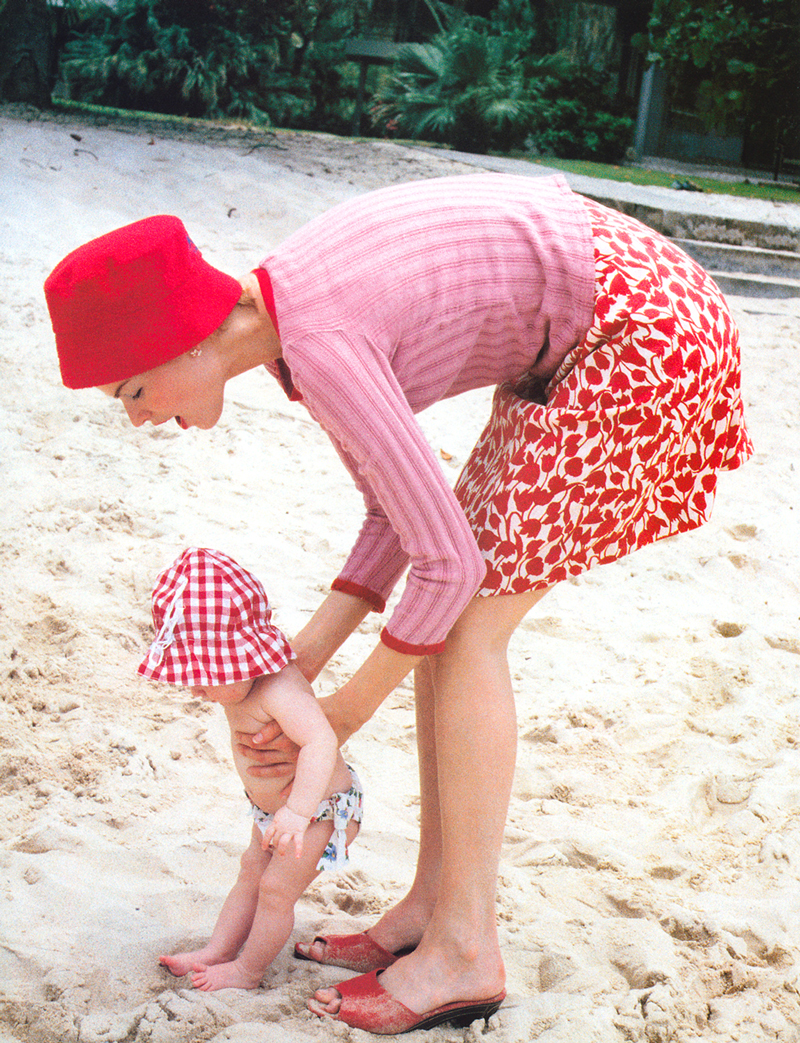 Meghan Douglas & Kelly photographed by Pamela Hanson for Bringing up baby / Vogue UK July 1996 / baby girl, mother & daughter fashion editorials / models & their children / via fashioned by love british fashion blog
