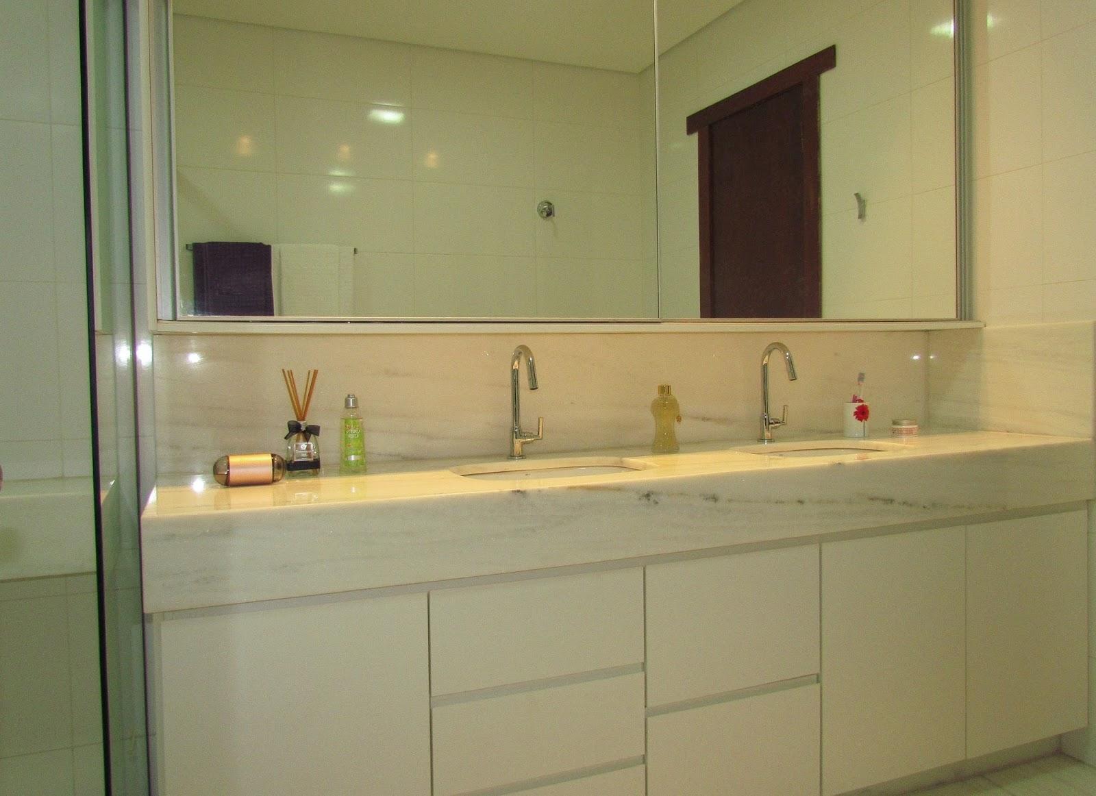 Blog da Juliana Faria  Projeto  Banho Casal -> Armario De Banheiro Roca