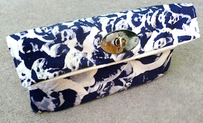 60s Printed Clutch DIY Blogger