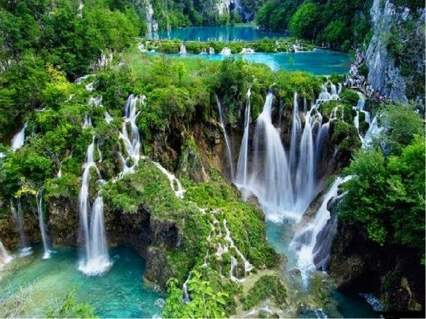 A Glimpse At Plitvice Lakes National Park