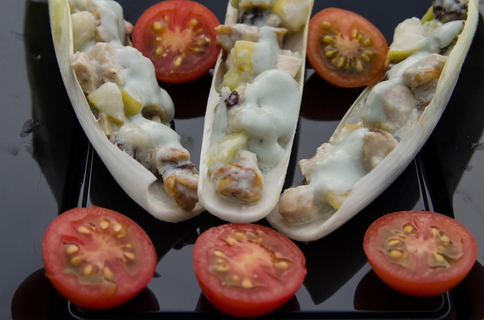 ensalada-endivias-roquefort-pollo-nueces-pera-receta-ligera-recetas-faciles-bruja