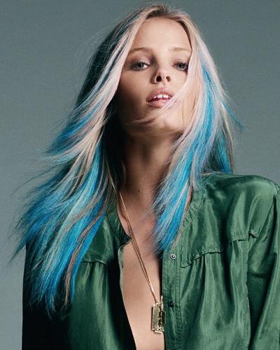 Блондинка с синими кончиками волос порно фото 52710 фотография