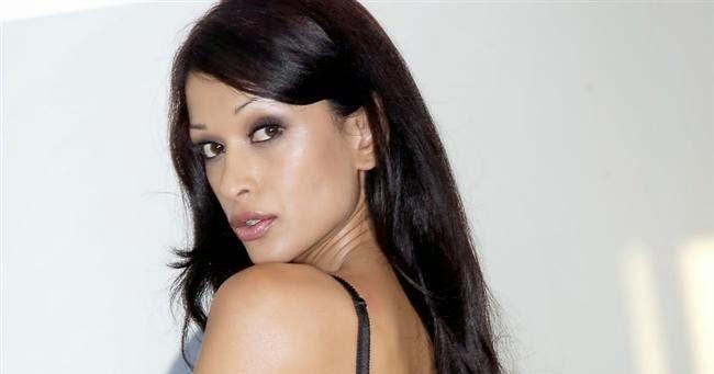 Minnie Gupta Nude Photos 21