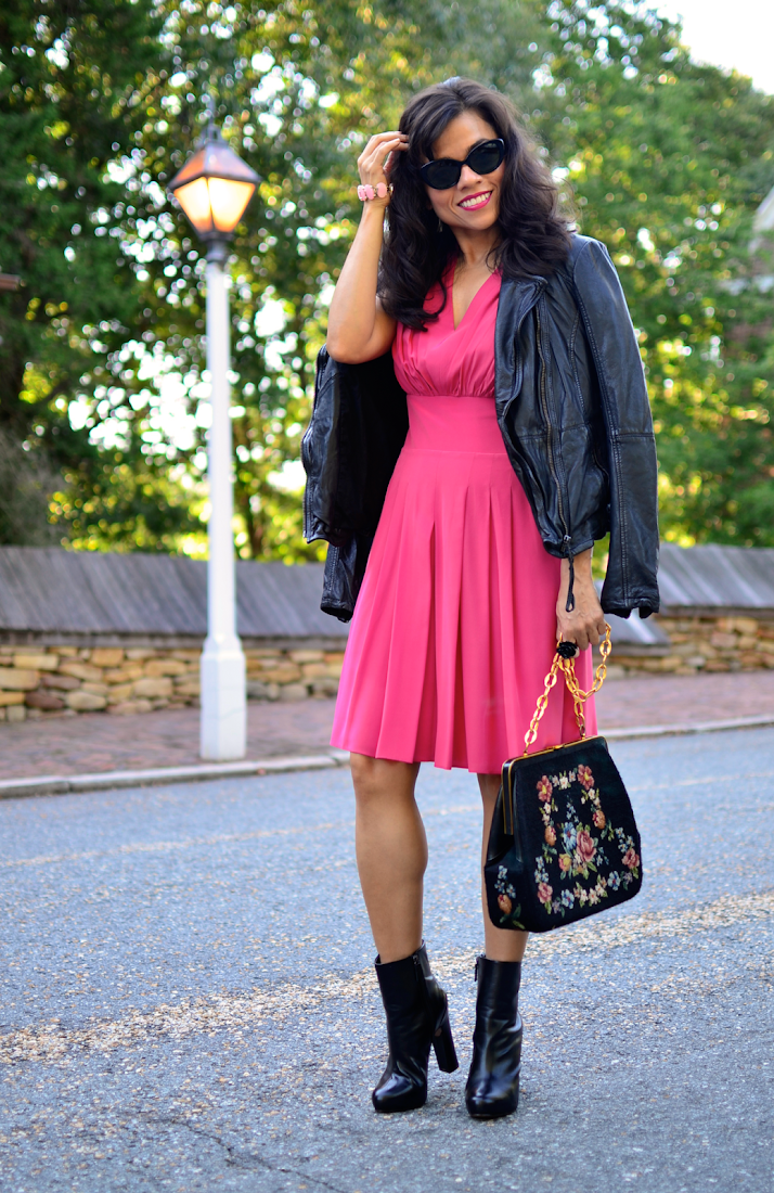 How to wear a pink dress