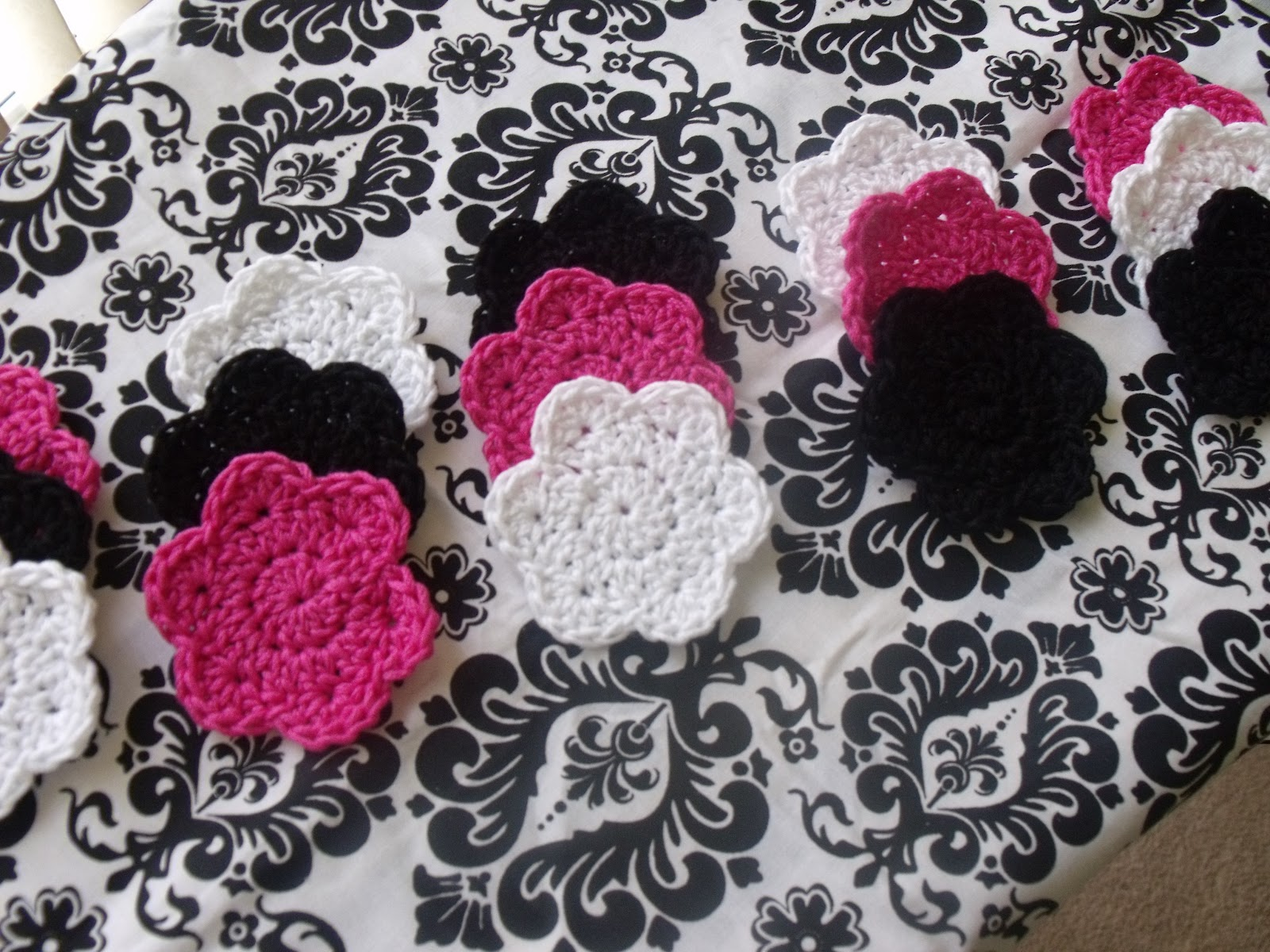 Indecisively Chic: Crochet Face Scrubbies and Storage Pouch Tutotial ...