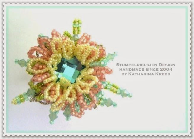 Lotus Beadwork Design und Herstellung Katharina Krebs