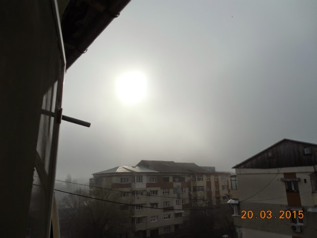 ceata in dimineata cu eclipsa