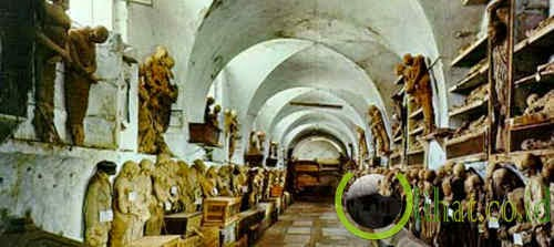 Katakombe Capuchin, Italia
