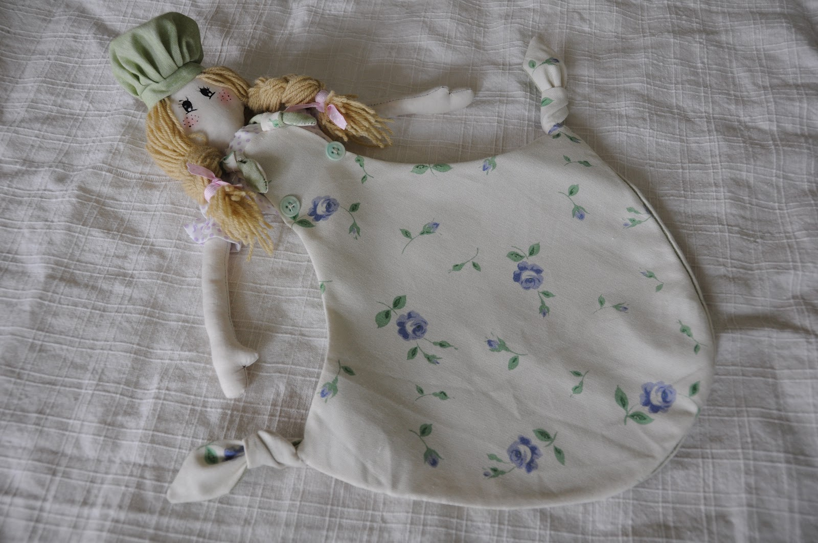 Pensare a pois bambola porta sacchetti - Porta sacchetti ...
