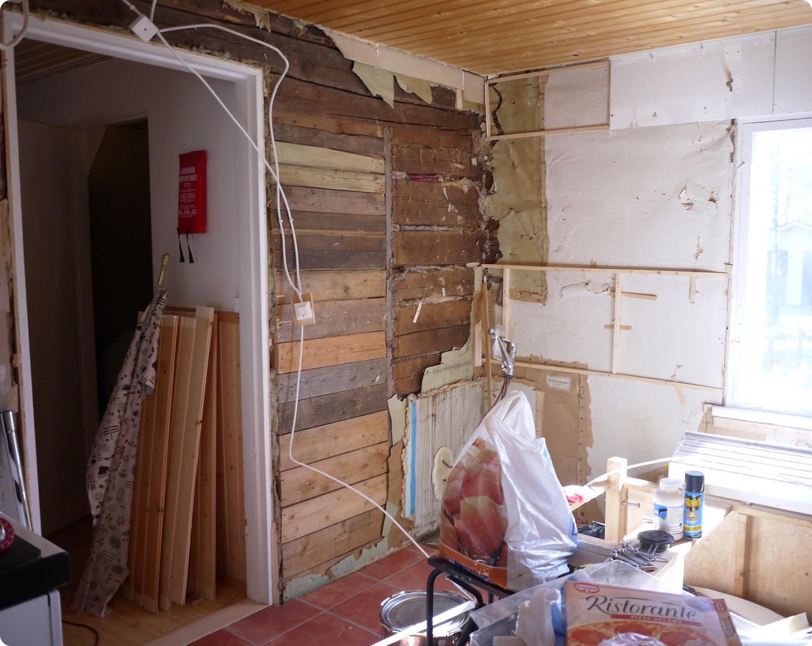 Mekkala Luku 1 Vanhan keittiön purku