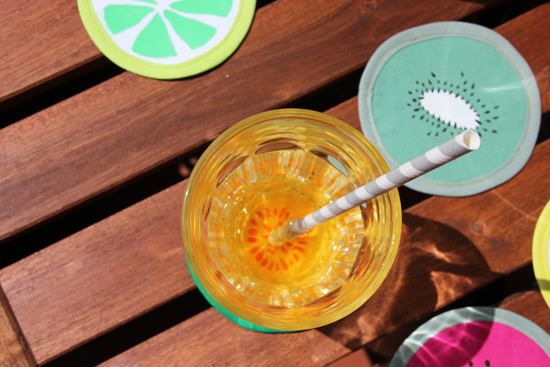 binedoro Blog, DIY, Tutorial, Untersetzer, Glasuntersetzer, Stoffmalerei, nähen, Sommer, Früchte