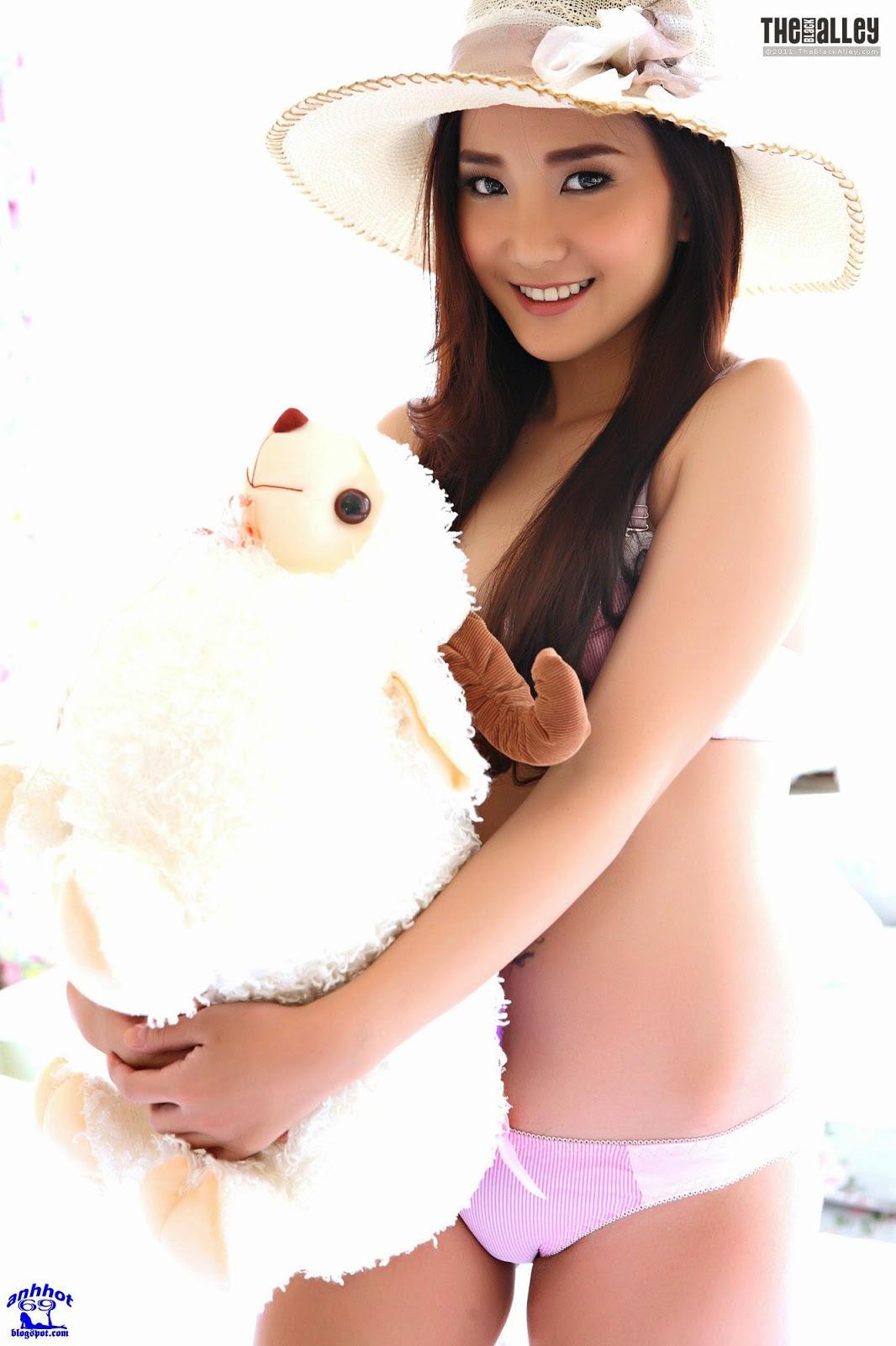 lolita-cheng-64-015