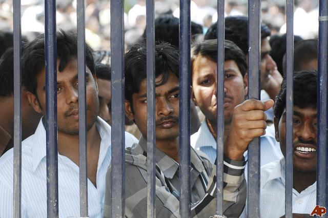 essay on unemployment in india in hindi बेकारी या बेरोजगारी पर निबंध essay on unemployment in india hindi भारत में बेरोजगारी की समस्या का समाधान चाहते हैं.