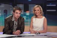 Robert Pattinson sur TF1 et photos de Paris avec Ashley Greene : dans acteurs du film Robert%2BPattinson%2Boctobre%2B2011%2BTF1%2B01