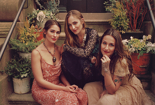 Photo of Jemima Kirke & her Sister  Domino Kirke