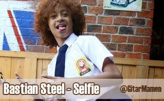bastian steel selfie