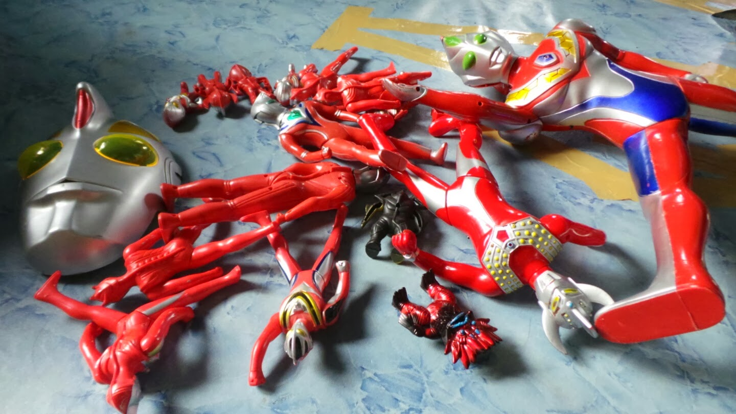 Ultraman Action Figure Ziqri Mknace Unlimited The Colours Of Life Roti Tissue By Canai Ikhwan Gh Corner Mks