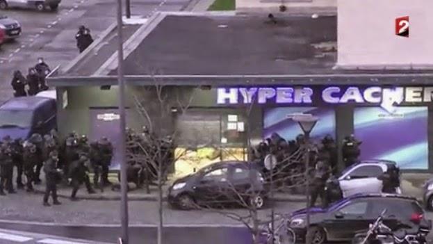 En este nuevo video se muestra el momento enque la Policía abate al terrorista que tomó la tienda judía en París