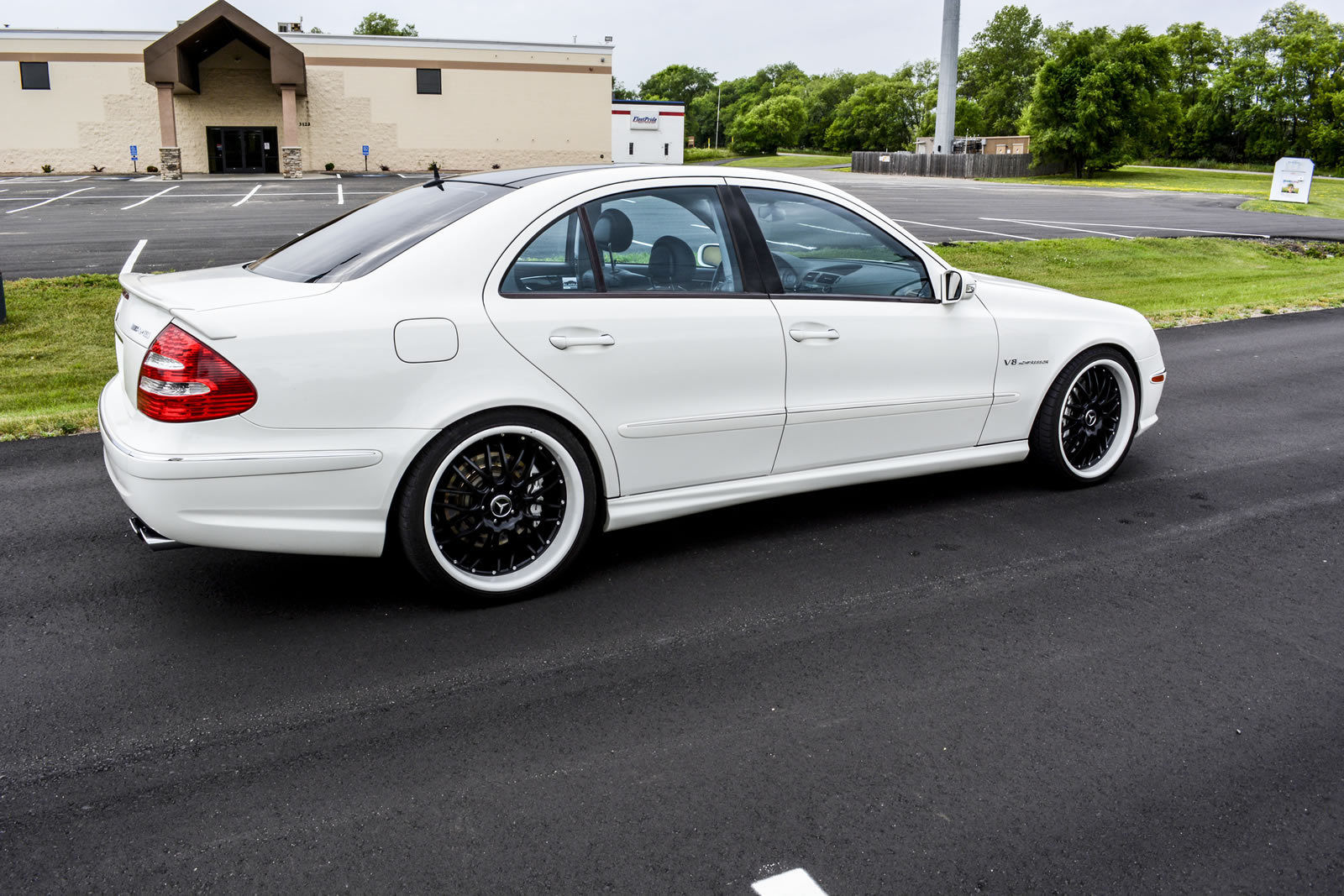 mercedes benz w211 e55 amg white on black benztuning