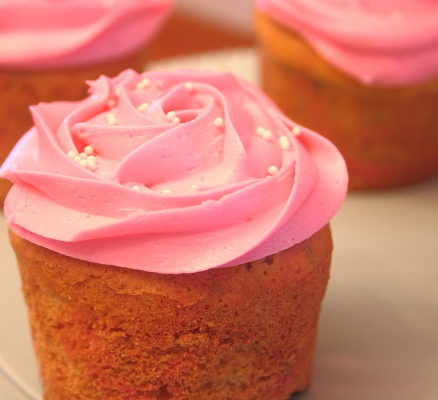 ... Drop: Birthday Cake Cupcakes with Strawberry Cream Cheese Frosting