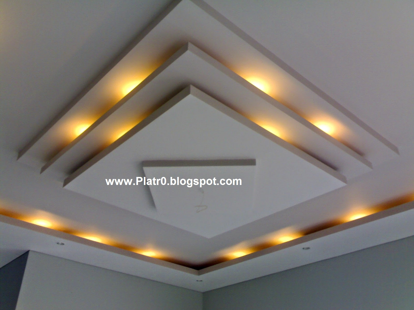 Decore de chambre avec placo platre for Decoration platre plafond