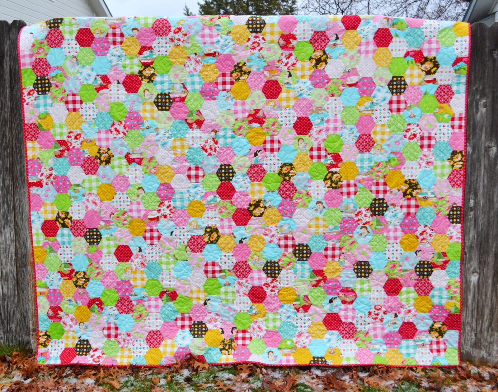 Porch Swing Quilts: Friday Finish: Glamping Hexies : hexie quilt - Adamdwight.com