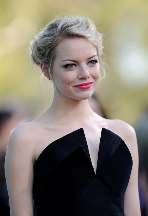 12 Classic Beautiful Female Celebrity Blondes