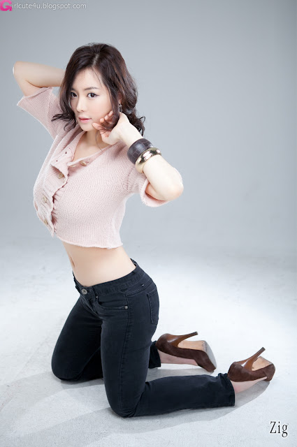 6 Im Ji Hye Showing her Curves-very cute asian girl-girlcute4u.blogspot.com