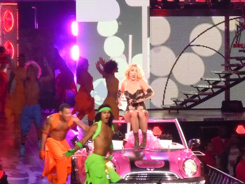 Britney Spears car Femme Fatale concert