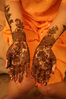 http://mehndi360.blogspot.com/2012/10/mehndi-designs-for-mehndi-function.html