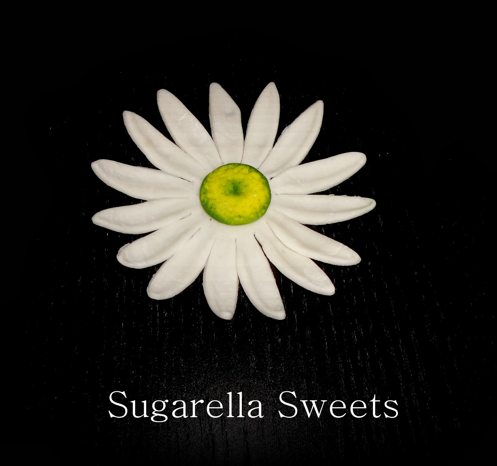 Sugarella sweets how to make a simple daisy flower daisy sugar flower dhlflorist Images