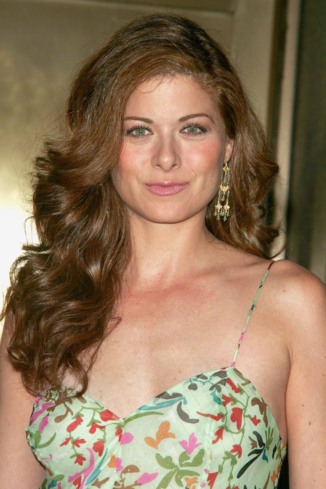 Debra Messing Photos Tv Series Posters And Cast
