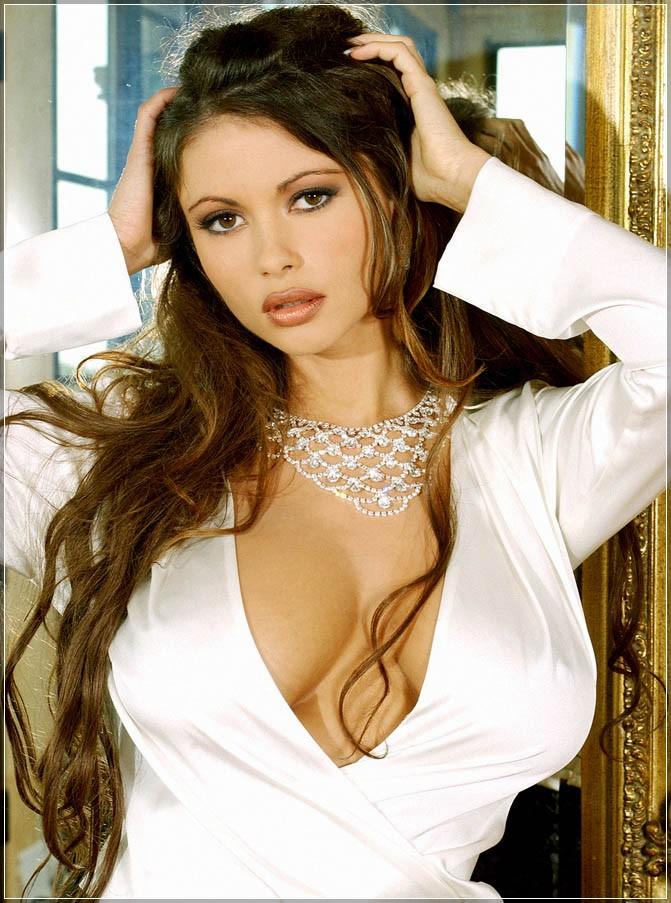 Bollywood wallpapers: Veronica Zemanova Photos Will Blow