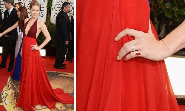 Famosas escolhem vestidos vermelhos para arrasar nas festas