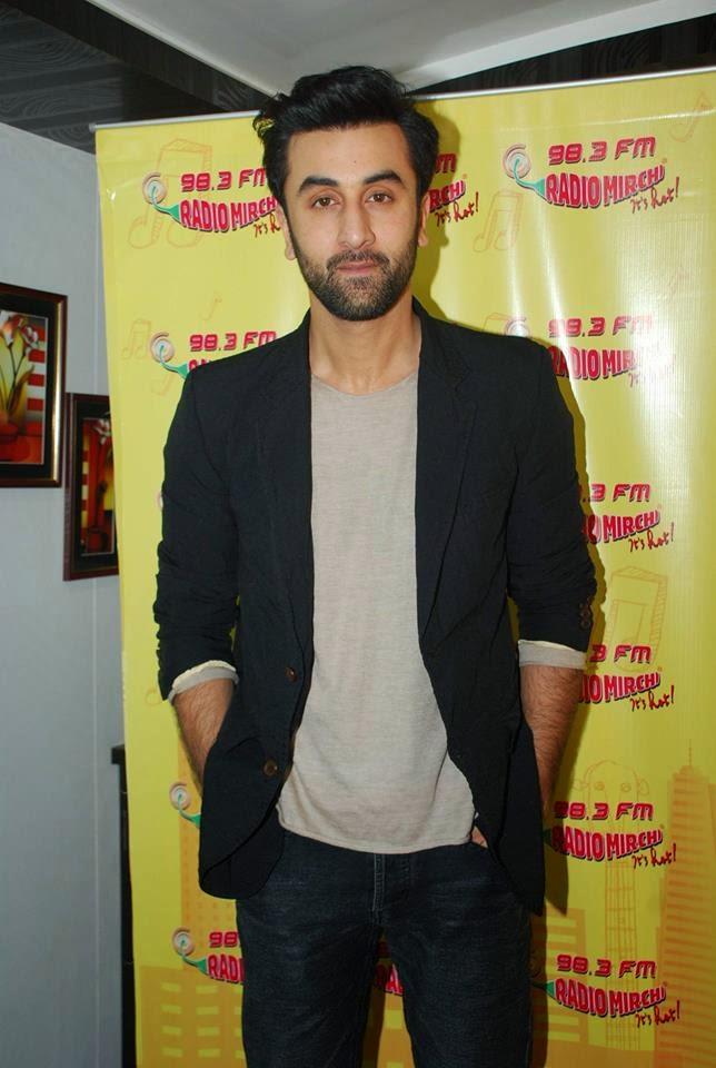 Ranbir Kapoor promotes Bomaby Velvet on Radio Mirchi