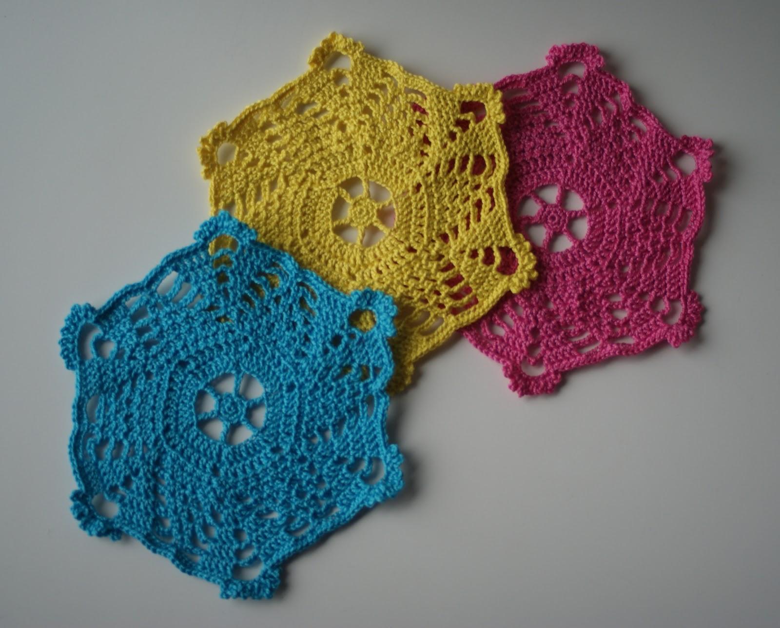 Klaartje Nel: Haken op donderdag: gekleurde oma-doekjes