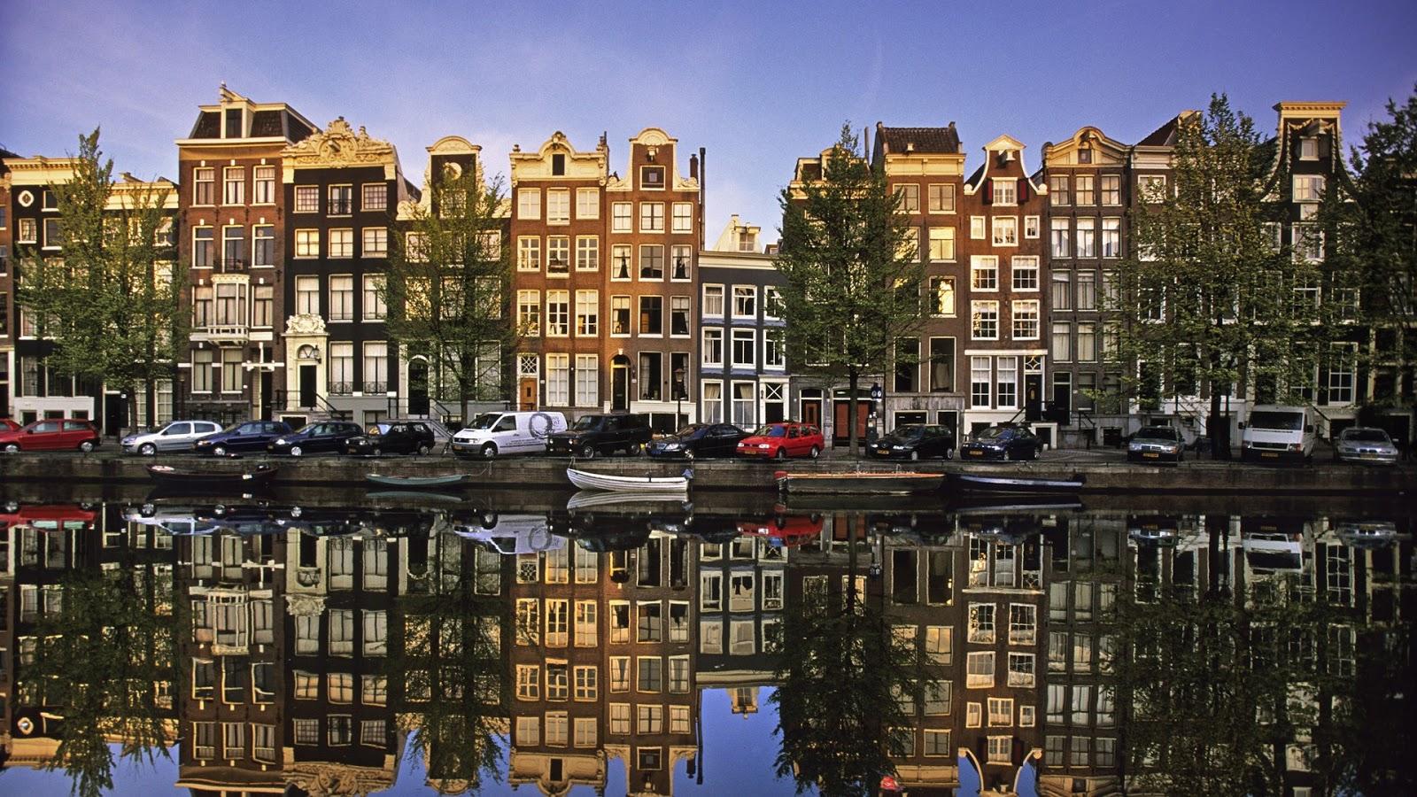 Amsterdam coffee shop stop marijuana ai turisti il for Agenzia immobiliare amsterdam